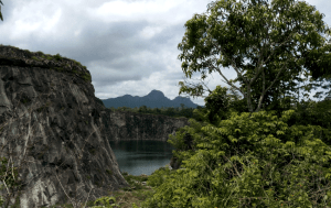 Turquoise water near Phantom Rock viewpoint