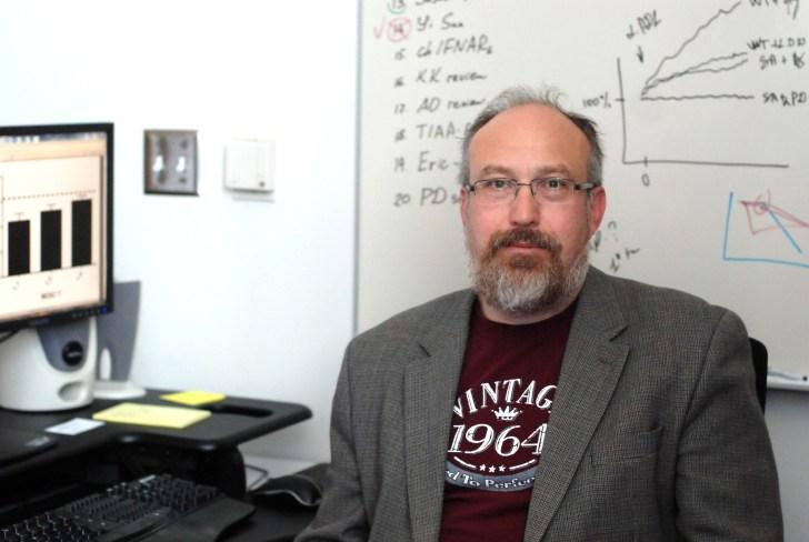 Hindering melanoma metastasis with an FDA-approved drug