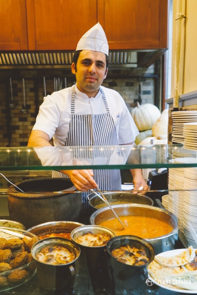 These chefs specialize in Ottoman-style cuisine.
