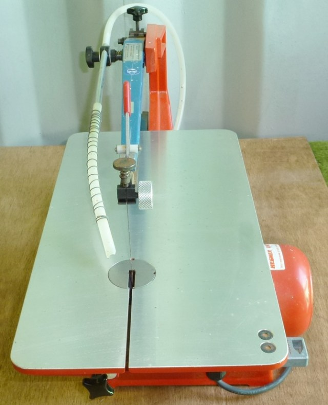 HEGNER MULTICUT 2S VARIABLE SPEED SCROLL SAW