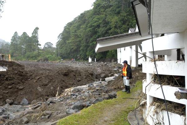 The post flood road repair work started immediately