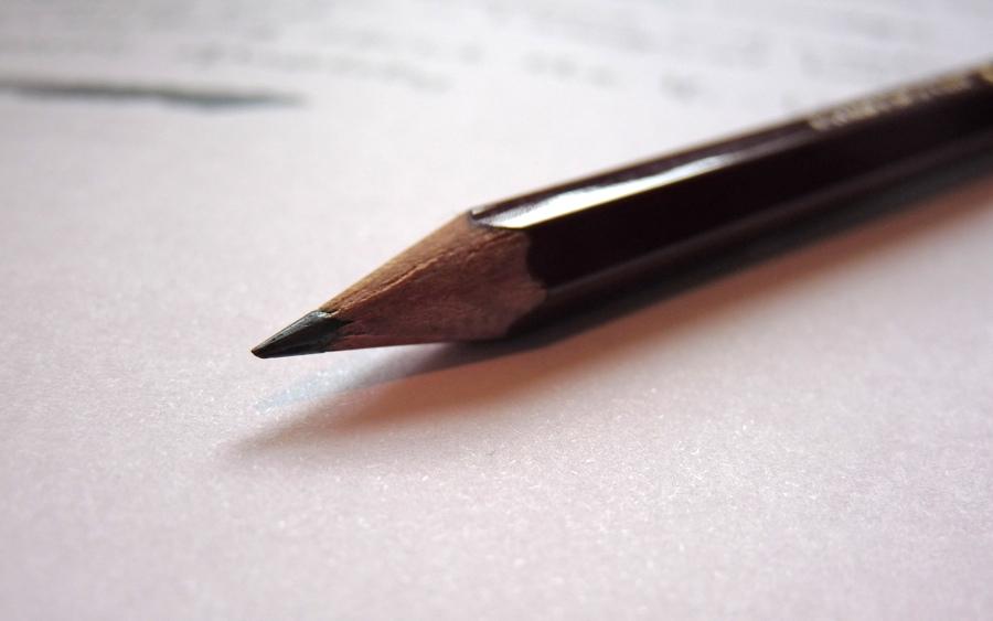Mitsubishi Hi-Uni pencil pointy end