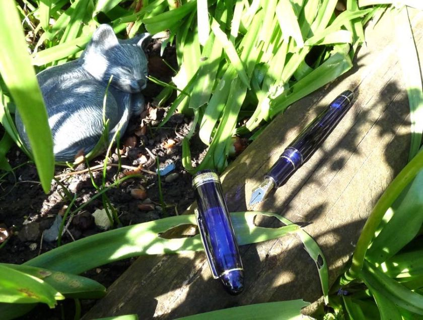 Platinum 3776 Chartres Blue uncapped