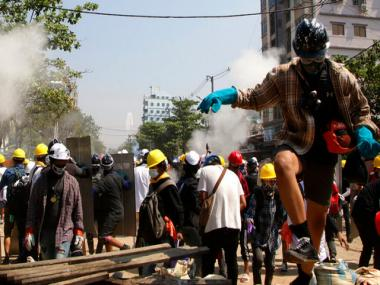 Myanmar crisis deepens as police round-up hundreds of protesters; labour unions call for strike on Monday