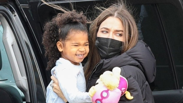 Khloe Kardashian & Daughter True Play In Toy Snack Shop In Cute Videos – Hollywood Life