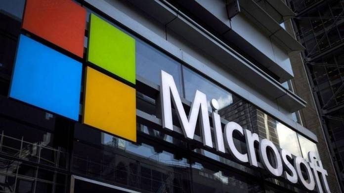 Microsoft warns thousands of cloud customers of exposed databases - News