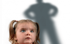 Como ensinar seu filho a nunca ficar interrompendo uma conversa