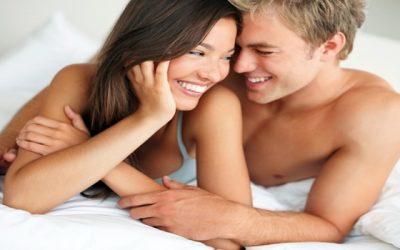 Posições na cama que ajudam queimar calorias e tonificar os músculos