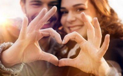 """Utilizando exercícios da """"Lei da atração"""" para seu relacionamento melhorar"""