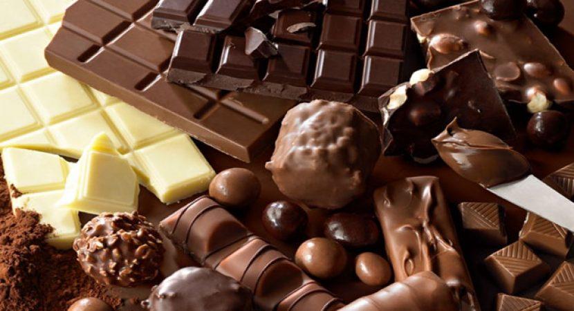 Chocolate pode ser o alimento dos sonhos – mas é também o alimento dos sonhos para o cérebro ? De acordo com um estudo recente, sim. É um excelente alimento para o cérebro, pois pode melhorar sua função durante o envelhecimento mais ainda do que o exercício aeróbico.