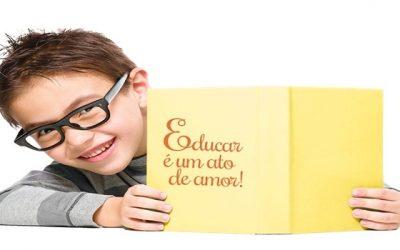 Educar é muito mais do que transmitir conhecimento