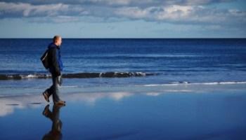 ocean-loisirs-plage-homme-horizon-male-adulte_121-21679