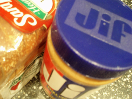 Jif_peanutbutter_and_bread