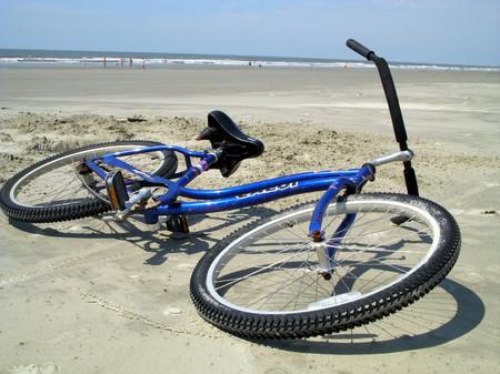 Bike_on_beach