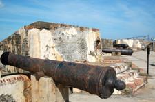 Cannons_at_el_morro_in_old_san_juan