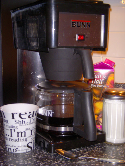 Coffee_pot_and_mug