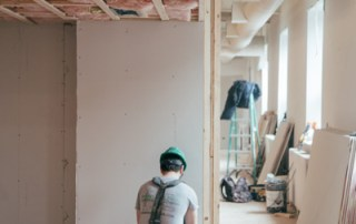 Home construction in Penticton follows correct safety procedures.