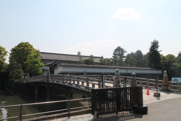The entrance to the Eastern Imperial Gardens.