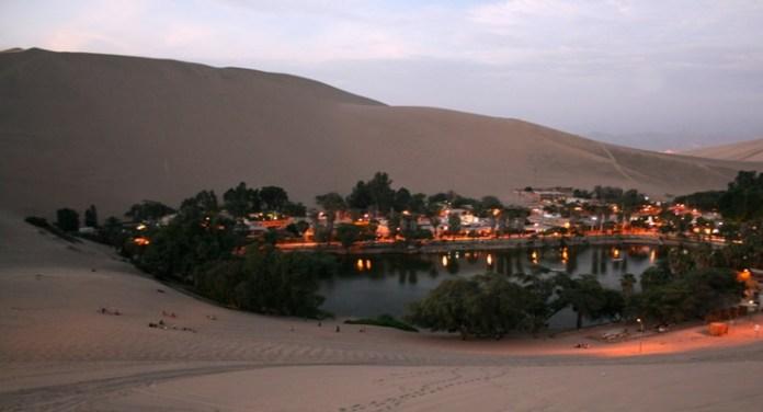 oase-huacachina-bei-nacht