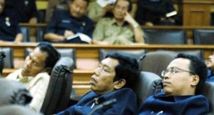 Pejabat Tidur