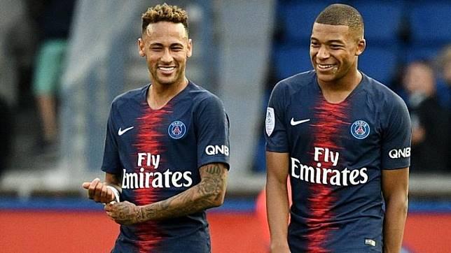 Roberto Carlos Menyarankan Bos Real Madird Untuk Beli Neymar dan Mbappe