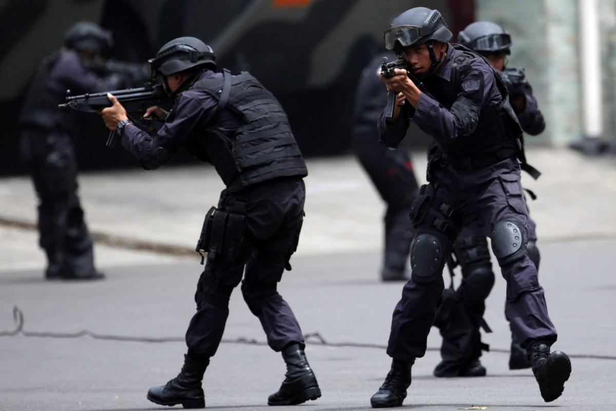 Kelompok Pria Bersenjata Tiba-Tiba Menyerang Sebuah Hotel di Pakistan