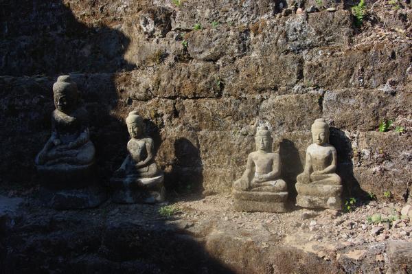 des milliers de bouddhas dans cette galérie