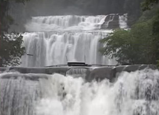 Tinuy-an Waterfalls