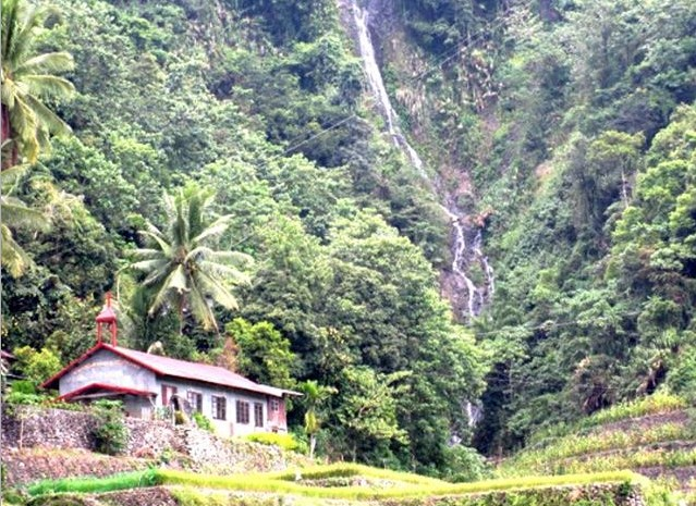 Elloy Waterfall in Ducligan, Banaue