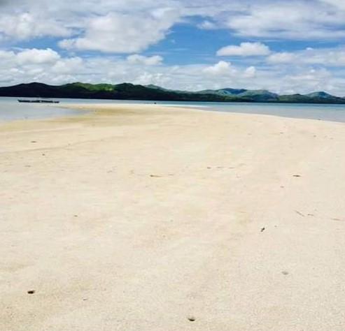 Lumayag Sandbar