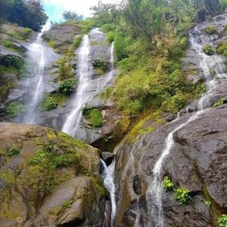 Tenogtog Waterfalls