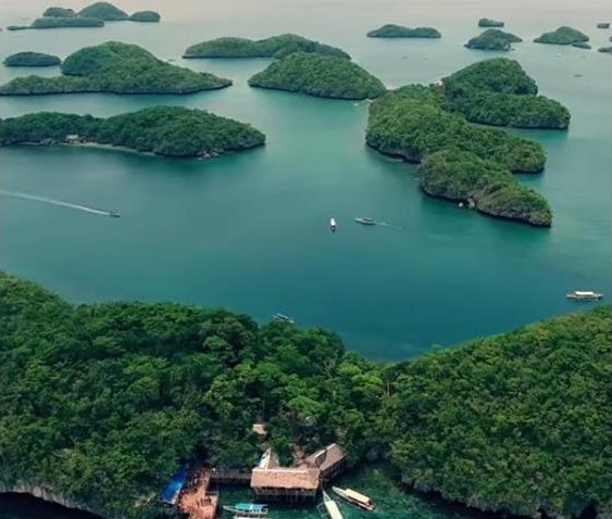 Hundred Islands Alaminos