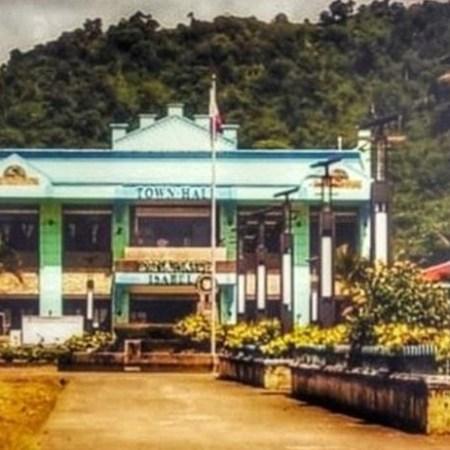 Dinapigue Municipal Hall