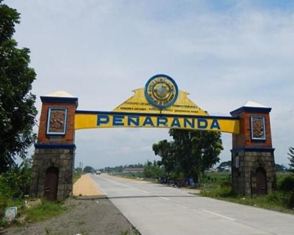 Penaranda Welcome Arch