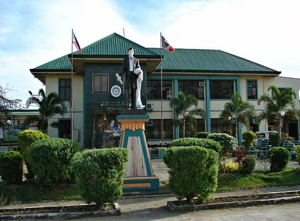 Guindulman Municipal Hall