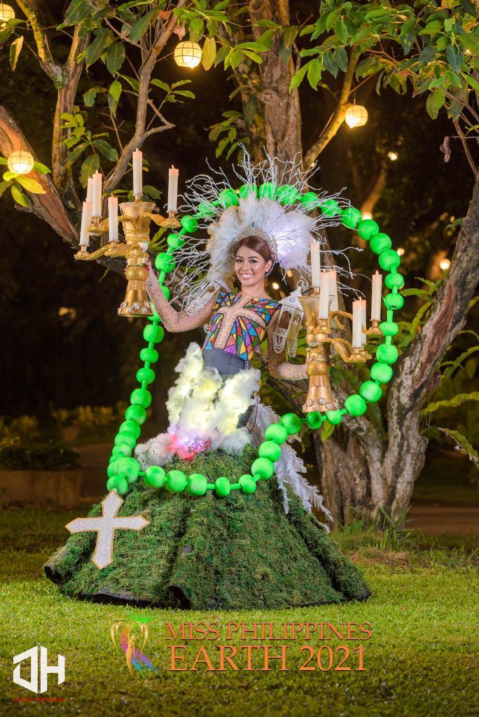 Elize Relacion Galvez Costume