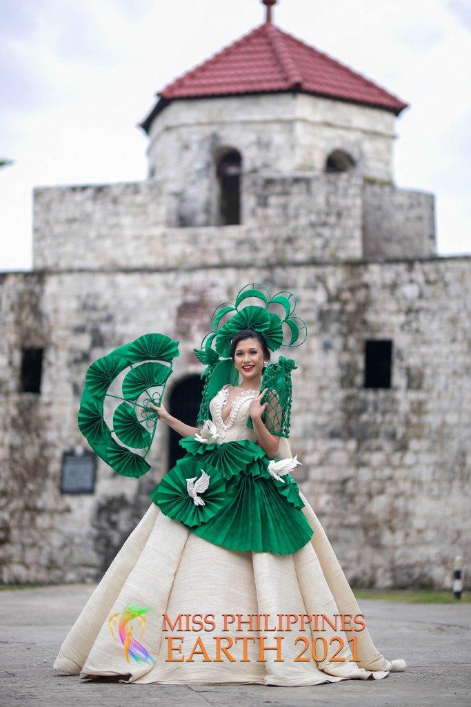Gea Caroline Gabaisen Costume