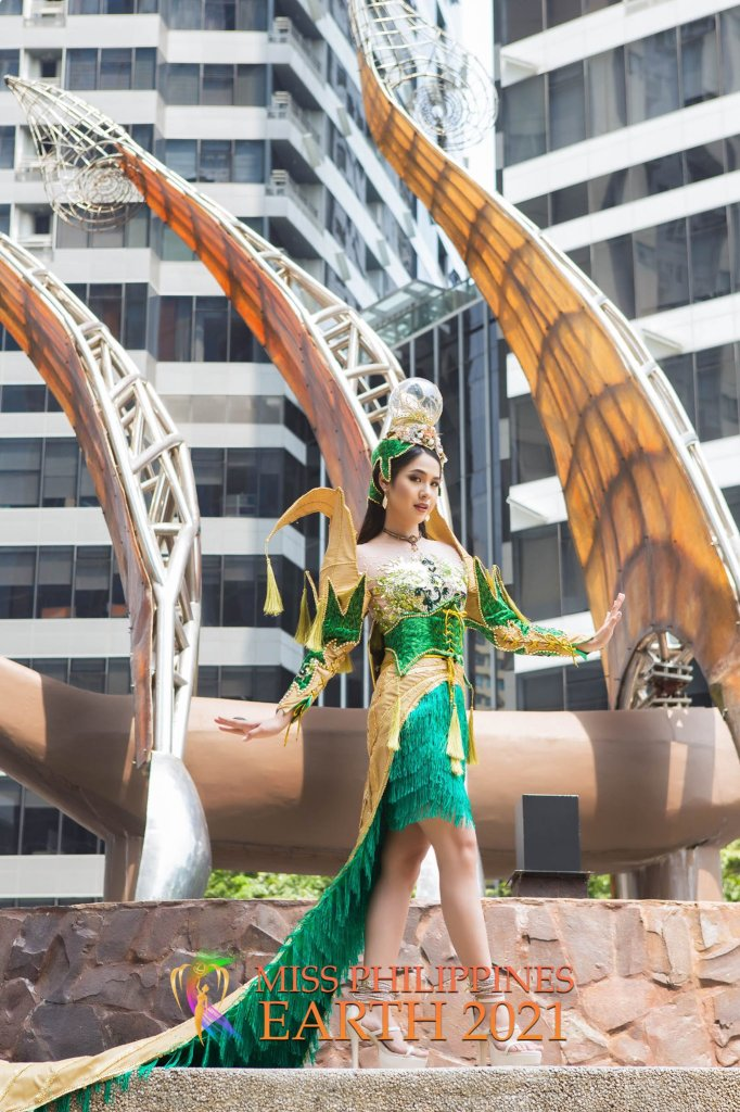 Jia Gold Bustamante Costume