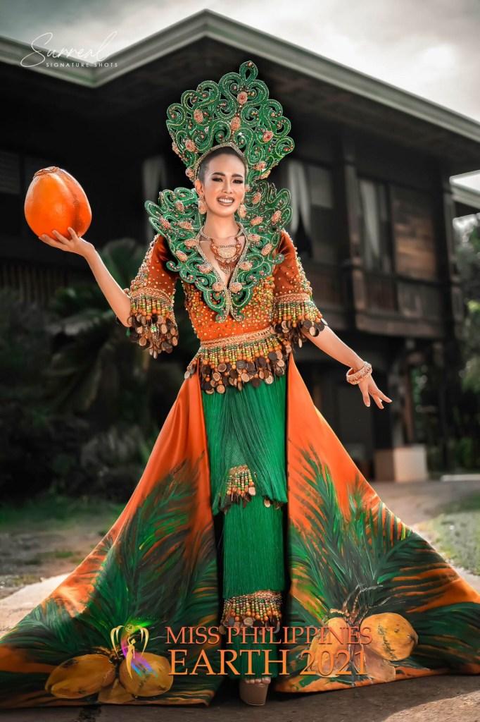 Katheryn Tan Guipetacio Costume