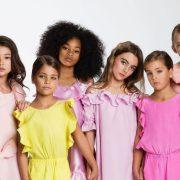 Ο κόσμος του παιδικού μόντελινγκ μέσα από την ιστορία των διδύμων Ava Marie και Leah Rose Clements