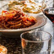 Ιταλική, Κινέζικη και Ιαπωνική οι πιο δημοφιλείς κουζίνες στον κόσμο, η Ελληνική στην 12η θέση