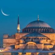 Από την Αγιά Σοφιά έως την Παναγία των Παρισίων. Οι 11 πιο εντυπωσιακοί ναοί στην Ευρώπη