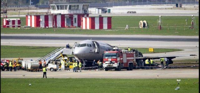 Ρωσία: 41 οι νεκροί στο αεροπορικό δυστύχημα της Aeroflot στο Σερεμέτιεβο