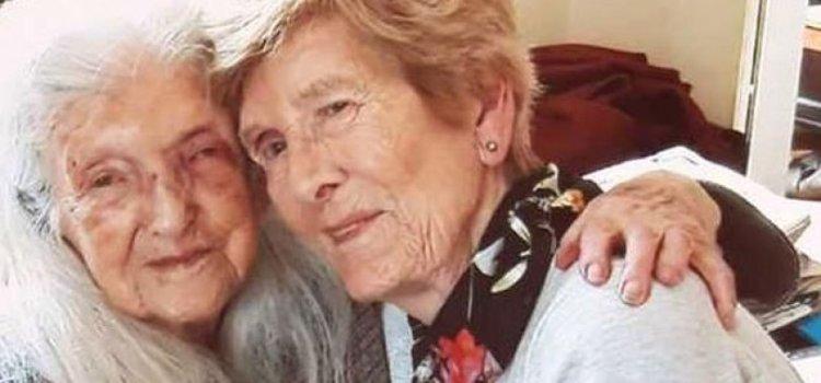 Μία 81χρονη γυναίκα συνάντησε για πρώτη φορά την μητέρα της που είναι 103 ετών