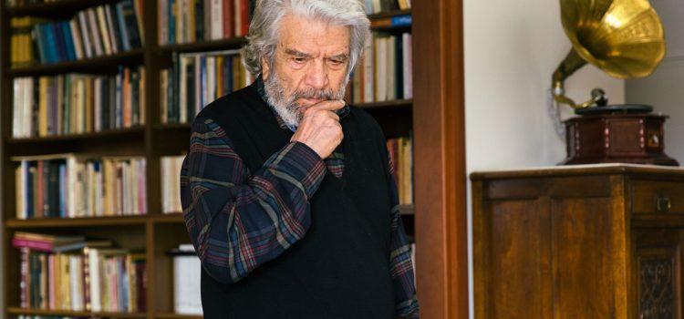 Αφιέρωμα στον γνήσιο τζέντλεμαν του Ελληνικού κινηματογράφου τον Άγγελο Αντωνόπουλο