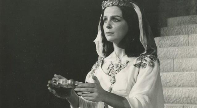 Αφιέρωμα στη διακεκριμένη και σπουδαία Ελληνίδα ηθοποιό με σημαντική παρουσία στο θεατρικό σανίδι Αντιγόνη Βαλάκου