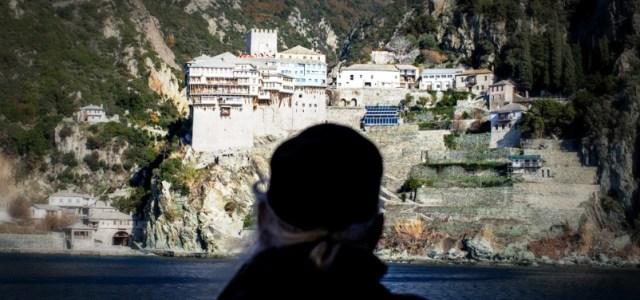 Θοδωρής Σπηλιώτης: Σε ποιο περιβάλλον «εργάζονται» οι μοναχοί στο Άγιο Όρος;