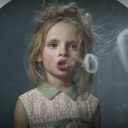 Αντικαπνιστική φωτογράφηση της Frieke Janssens: «Smoking Kids»