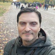 Δημήτρης Χριστοδούλου: «Το βιβλίο για μένα είναι οξυγόνο… άνοιξα τον εκδοτικό μου οίκο OnTimeBooks 15 μέρες πριν από το lockdown του Λονδίνου»