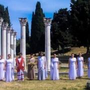 Η βαριά βιομηχανία της Ελλάδος ΔΕΝ είναι ο τουρισμός… Όσοι αποφοιτούν ως ιατροί, από τα πανεπιστήμια της υδρογείου, να έρχονται στην Κω να ορκιστούν, στην αρχαία διάλεκτο, στον ελληνικό όρκο του Ιπποκράτους του Οικονομολόγου Τζανή Γκούσκου